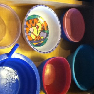 Day 26: Organizing kids plates and bowls