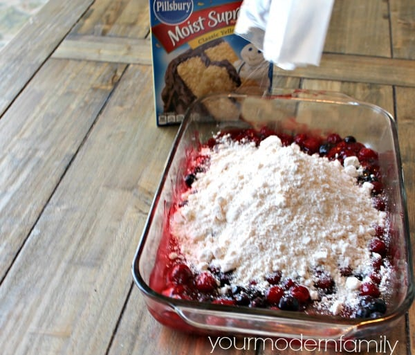 STEPS to making a blueberry dump cake #littlechanges