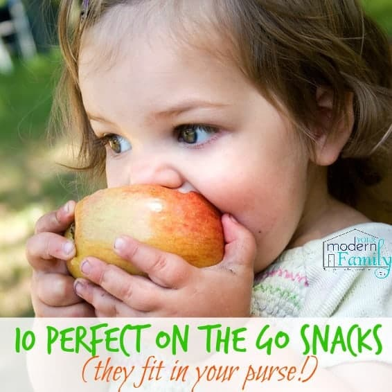 10 snacks to keep in your purse