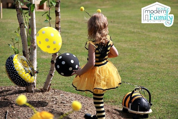 Bee day party birthday party theme that you will love your bee day party 7 filmwisefo