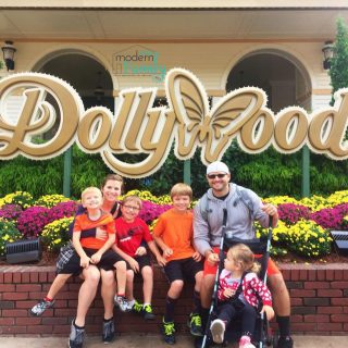 Tips for Traveling to Dollywood (win $500!)
