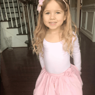 Hairstyles for little girls with long hair (and a giveaway)