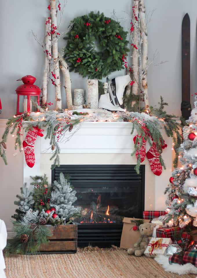 The best modern farmhouse christmas decor ideas your for Christmas home decorations pinterest