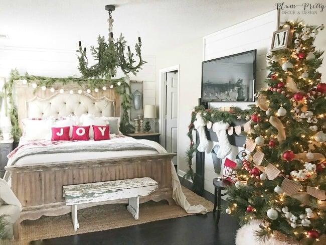 The BEST Modern Farmhouse Christmas Decor Ideas!